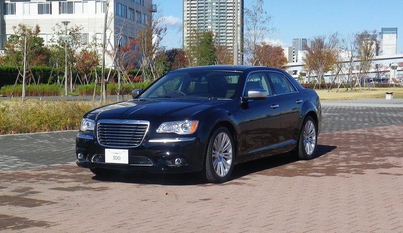 300 2012年モデル